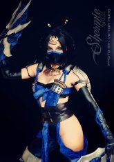 http://shermie-cosplay.deviantart.com/
