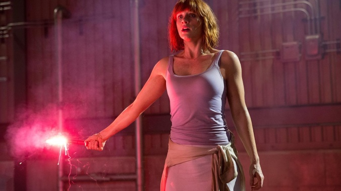 jurassic-world-screenshots-bryce-dallas-howard-flare