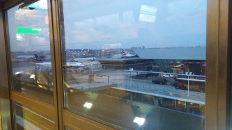On peut apercevoir notre avion Icelandair d'ici